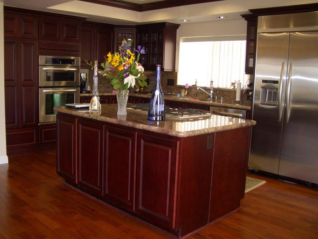 Cherry kitchen cabinets a detailed analysis cabinets direct - Cherry wood kitchen ideas ...