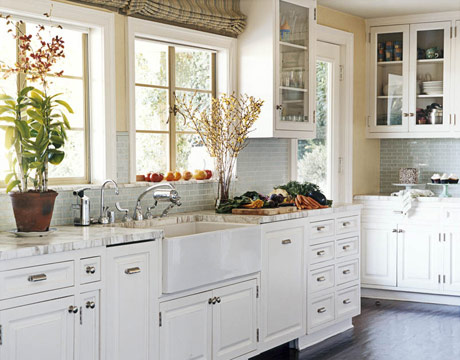 Getting that timeless kitchen aura with white cabinets for Best countertops for white cabinets