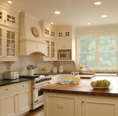Off White Kitchen Cabinets With Backsplash