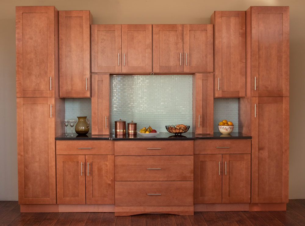 A closer look at the quaint shaker cabinets cabinets direct - Kitchen door designs ...