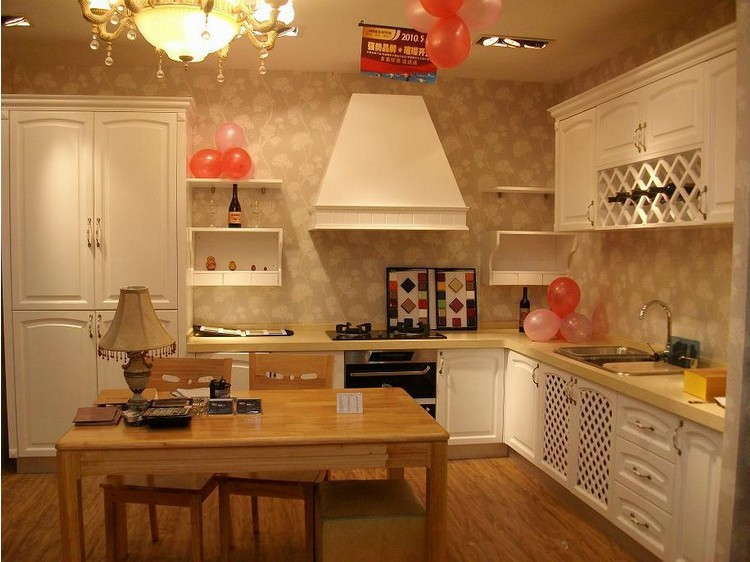 Kitchen cabinets wholesale to meet domestic kitchen for Cheap wood kitchen cabinets