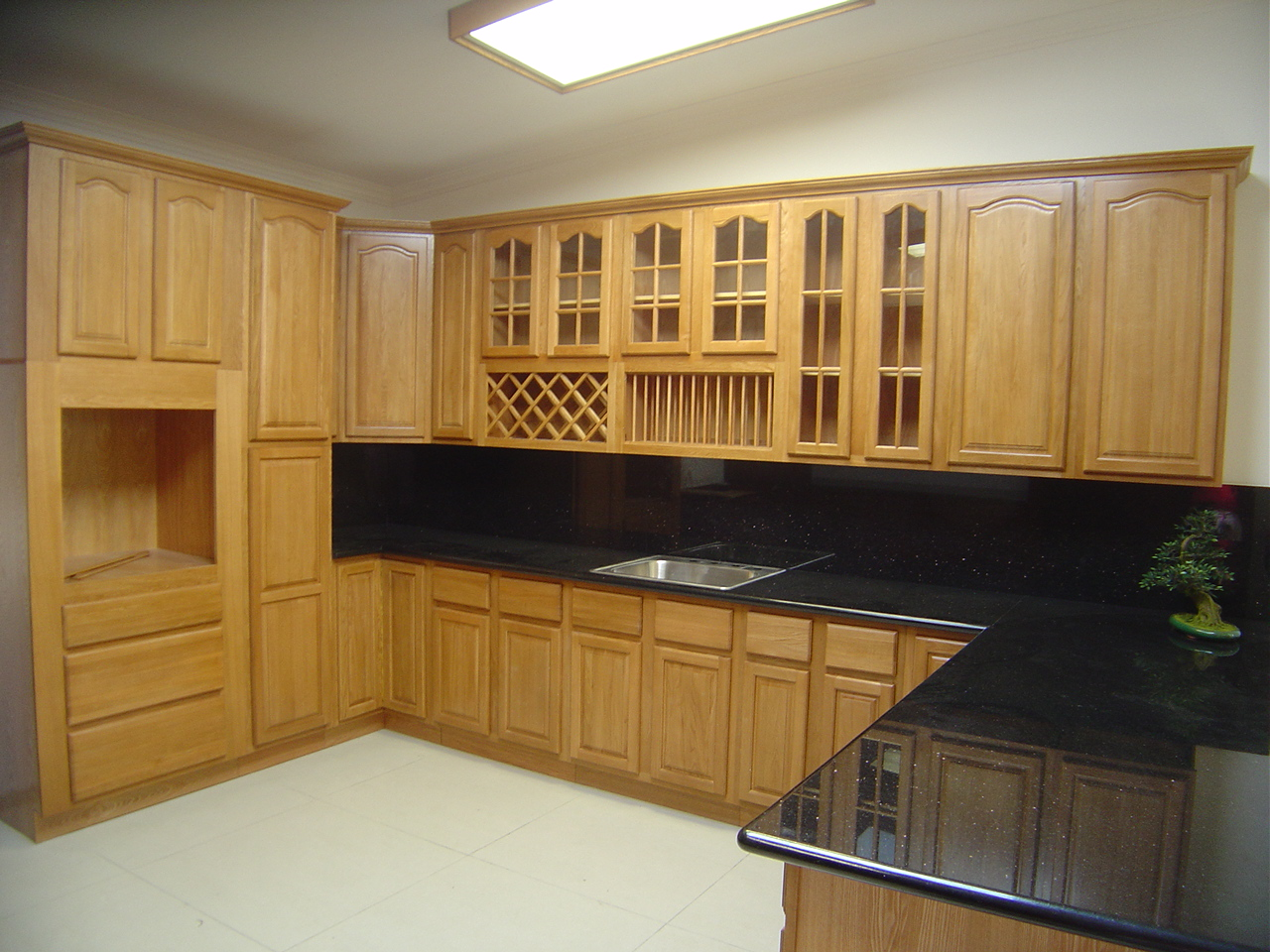 The Different Staples Of Oak Cabinets Cabinets Direct